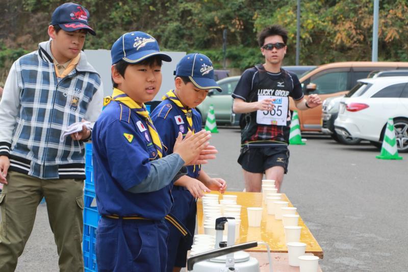 マラソンの給水支援