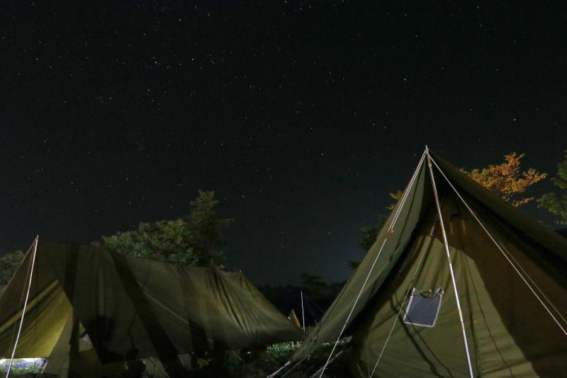 夜空を覆いつくす満天の星